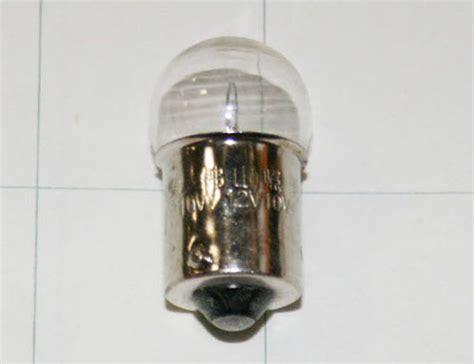 12 volt 10 watt light bulb