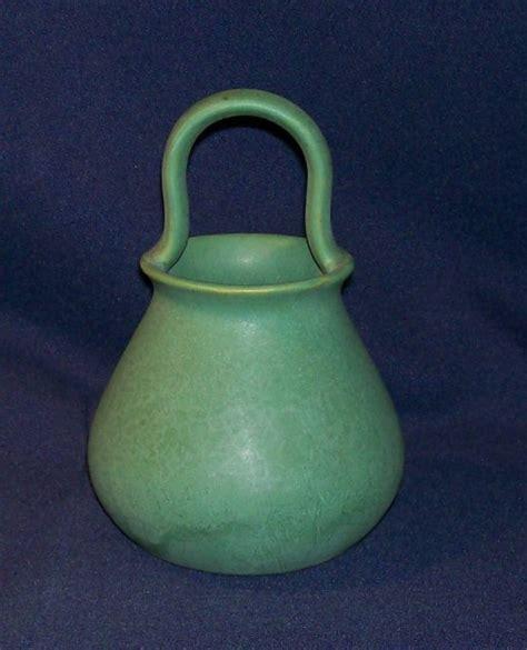roseville 39 green matt 39 basket for sale antiques com classifieds