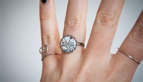 vanitosa significato di cinzia bois dove porti l anello ogni dito ha un