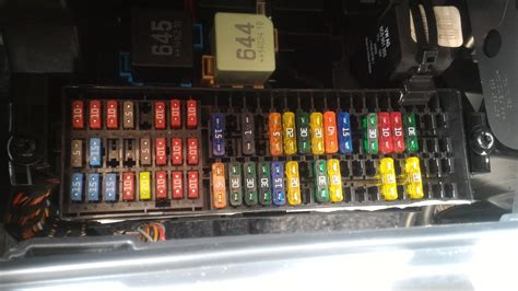 jetta se  outlets  working  fuse