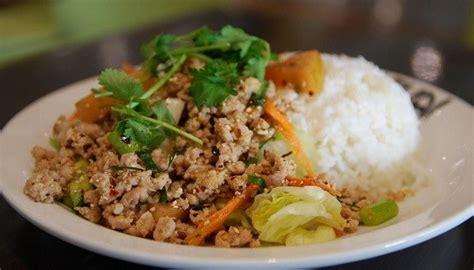 la cuisine thailandaise cuisine 6 plats thaïlandais à connaitre absolument avant de partir en thailande noobvoyage fr