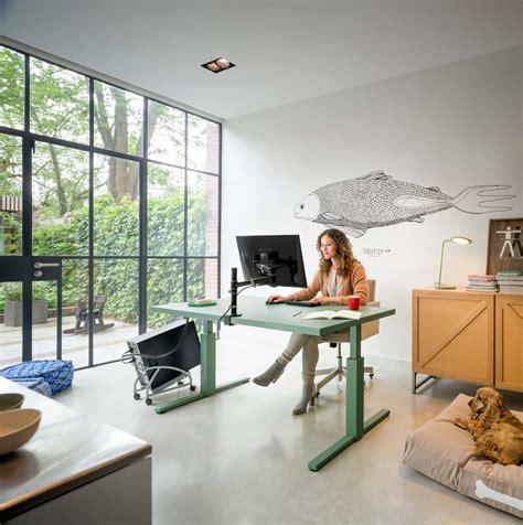 Schreibtisch Vor Fenster by Den Schreibtisch Richtig Positionieren Darauf Sollte