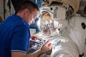 Spacesuit Leak: Why It Took NASA 23 Minutes To Send ...