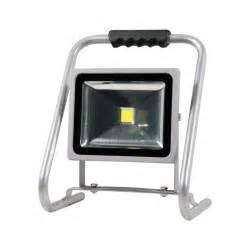Led Strahler 30w : premium led strahler 30w 2200 lumen tragbar elektro installationsmaterial ~ Orissabook.com Haus und Dekorationen