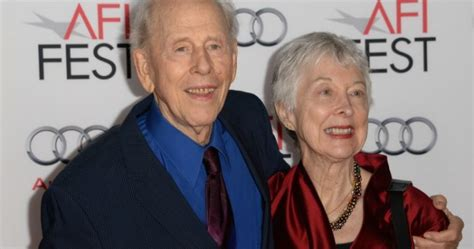 happy days star ron howard mourns  death   actor