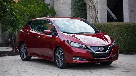 nissan leaf practicality comfort  boot space