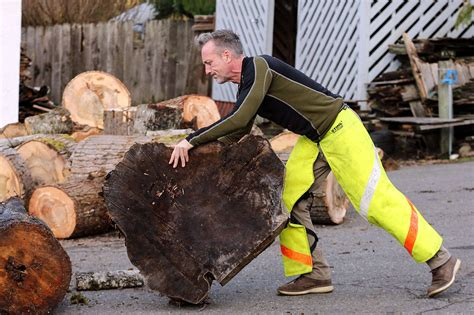 woodchopping dad finds  date