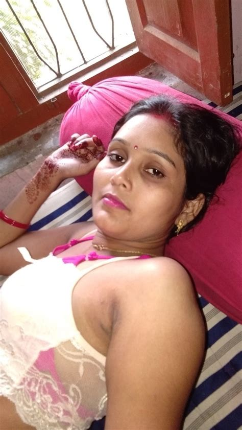 Naman Bhai And My Sexy Bhabi Pics Leaked From Mobile