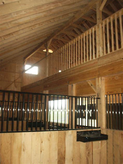Pferdestall Innen by Stalls Loft Construction