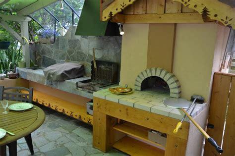 cuisine feu de bois davaus modele cuisine feu de bois avec des idées