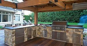 Enjoy your own party - outdoor kitchens make it fun