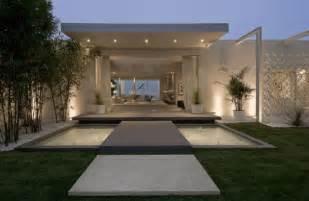 Stunning Modern House Entrances by Ultra Modern Beverly Home Modern Design By