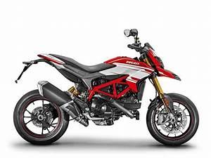 Ducati Hypermotard 939 Sp : 2018 ducati hypermotard 939 sp review total motorcycle ~ Medecine-chirurgie-esthetiques.com Avis de Voitures