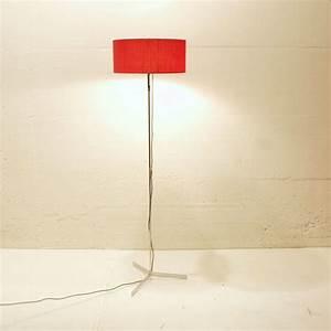 Stehlampe Schirm : 3 fuss stehlampe mit rotem schirm m bel z rich ~ Pilothousefishingboats.com Haus und Dekorationen