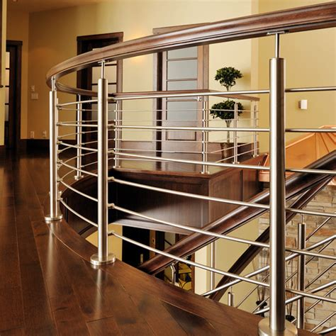 Made of 316 stainless steel, this framing has excellent resistance to chemicals and salt water. Stainless Steel Pipe Rod Indoor Deck Railing Design