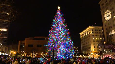 portland oregon tree lighting pioneer