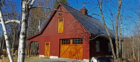 custom barns  buildings  carriage shed