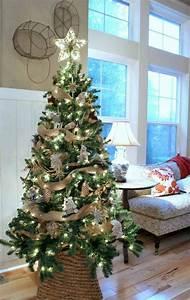 Weihnachtsbaum Schmücken Anleitung : weihnachtsbaum schm cken 25 verschiedene stile und deko ~ Watch28wear.com Haus und Dekorationen