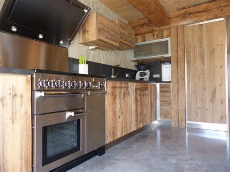 cuisine vieux bois écrin de bois création conception et aménagement en vieux