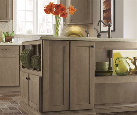 light wood finish shaker kitchen diamond cabinetry
