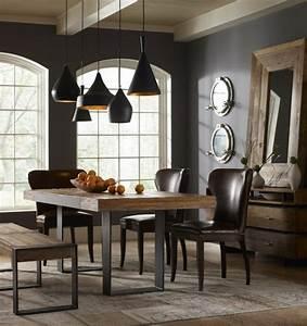 salle a manger contemporaine et deco aux accents fonces With salle À manger contemporaine avec table en bois brut