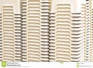 Petite Chaise En Plastique : petite chaise en plastique id es d 39 images la maison ~ Teatrodelosmanantiales.com Idées de Décoration