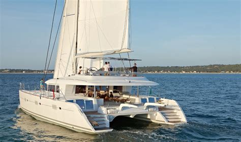 Catamaran Sailboat by The Most Comfortable Sailboat 5 Sailing Catamarans To