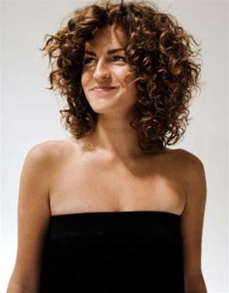 layered haircuts for naturally curly hair top 10 medium