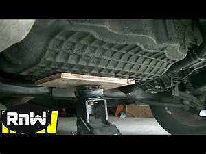 Chrysler PT Cruiser Motor Mount Inspection and Replacement