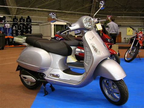Modification Vespa Gts by Vespa Gts 250 Best Photos And Information Of Modification