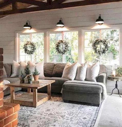 40+ Amazing Modern Farmhouse Style Decoration Ideas For