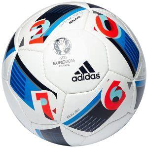 le ballon de foot ballon de foot notre guide d achat des meilleurs ballons de foot