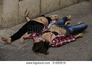 Crime scene: Dead body of a murdered girl Stock Photo ...