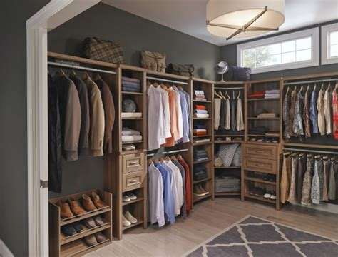 how to convert a spare room into a closet