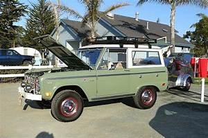 Nice green uncut Bronco with roof rack   Early bronco, Bronco, Classic bronco