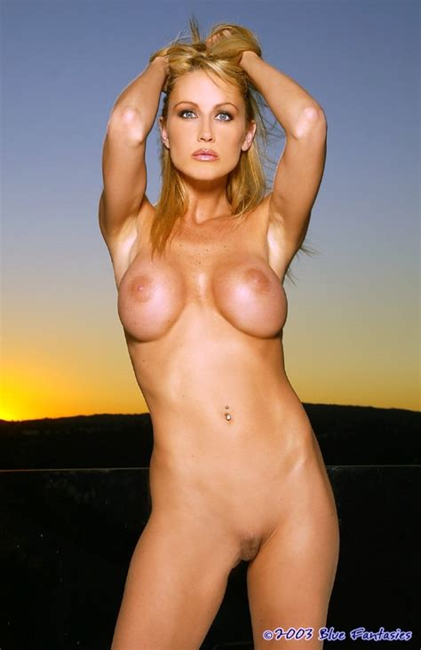Deanna Merryman Nude Pictures