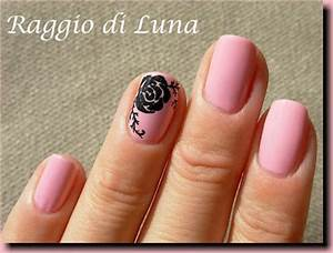 Raggio di Luna Nails: Black rose on light pink