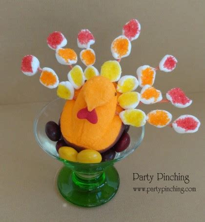 Get ready for thanksgiving with these ideas for crafts, tablescapes, treats and more. Cool Party Favors | Thanksgiving Treats for Kids