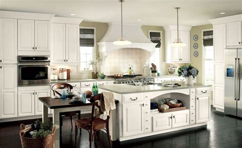 Waypoint White Kitchen Cabinets by Waypoint Living Spaces Style 610 In Painted Linen