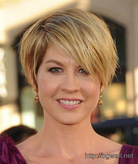 short cropped hairstyle ideas for fine hair background
