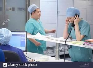 Busy Hospital Ward Nhs Stock Photos & Busy Hospital Ward ...