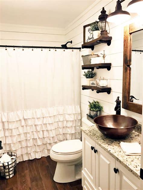 Decorating Ideas For Modern Bathroom by 55 Farmhouse Bathroom Ideas For Small Space Decor And