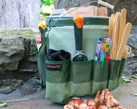 rangement outils jardin rangement malin pour outils de jardinage 24 id 233 es pratiques