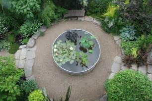 Pea Gravel Patio Ideas by Low Cost Luxe 9 Pea Gravel Patio Ideas To Gardenista