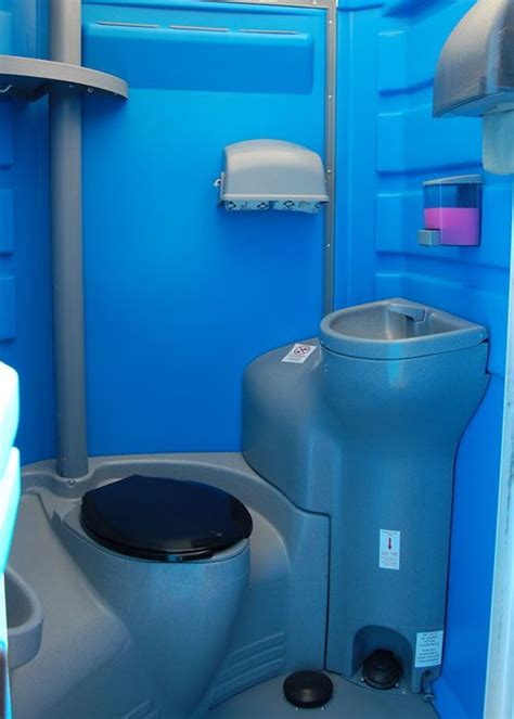 Portable Bathroom Sink by 37 Best Portable Toilets And Fence Rentals Images On