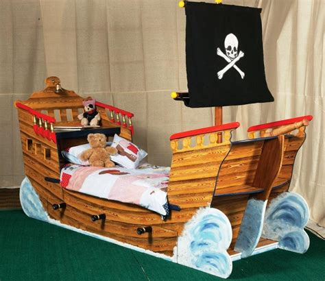 chambre bateau pirate 11 lits au design des bateaux pour la chambre de