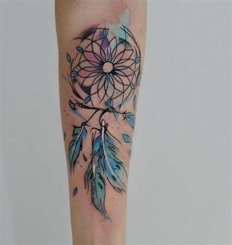 tatouage aquarelle plume les  jolis tatouages