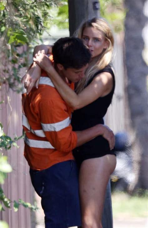 Tegans Hot Romance Bottoms Out Hot Romance Romance Celebrity Gossip