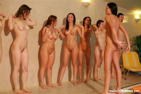 Gruppen bilder nackt