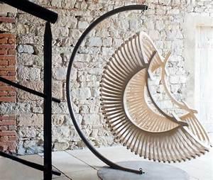 Fauteuil Cocon Suspendu : floating in a suspended cocoon chair urban gardens ~ Teatrodelosmanantiales.com Idées de Décoration